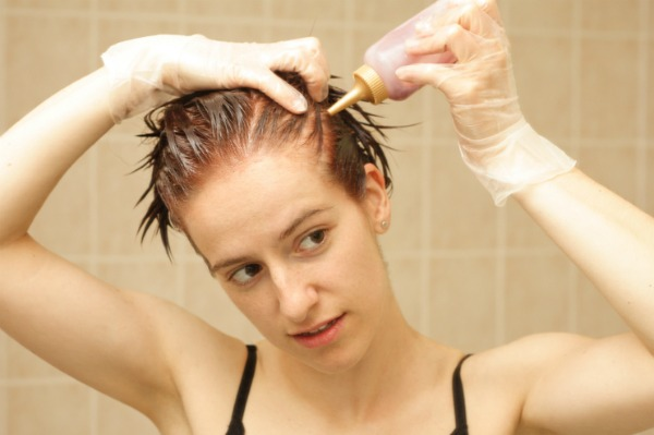 dyeing your hair while pregnant