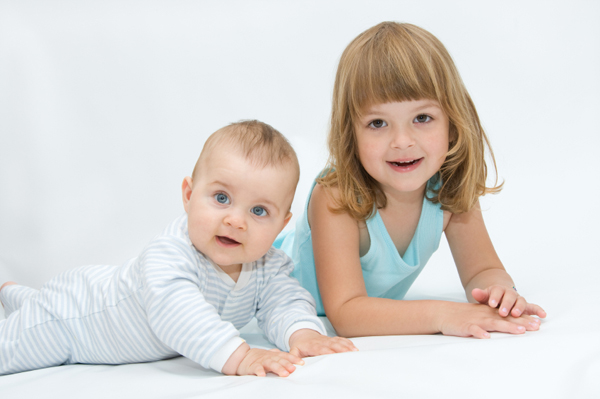 Newborn Pictures with Siblings http://www.pregnancyandbaby.com/pregnancy/articles/945617/5-tips-for-helping-siblings-and-baby-bond