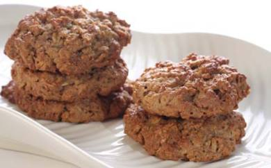 Oatmeal pineapple macadamia nut cookies
