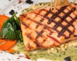Grilled salmon fillet with honey mustard sauce