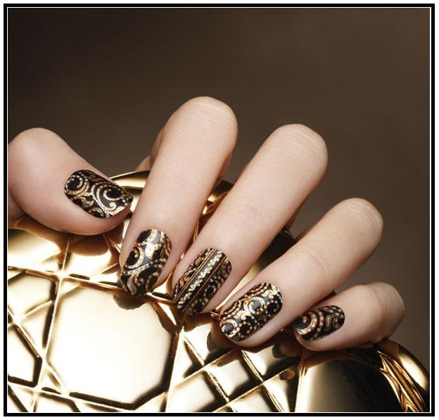 Дизайн ногтей золотого цвета