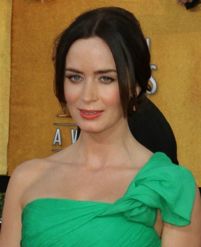 emily blunt with bangs hairstyles for round faces emily blunt