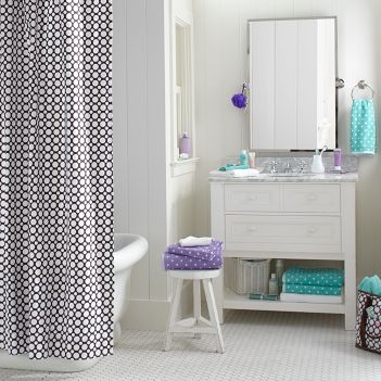 Bathroom decorating ideas polka dot teen for Teen bathroom pictures