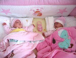 742064_baby_girl_twins.jpg