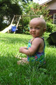 468654_baby_in_grass.jpg