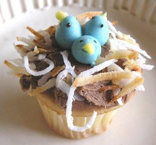 baby blue bird cupcake