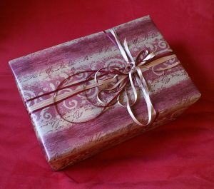 1083574_gift_wrapping_2.jpg