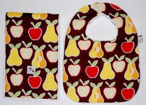 baby-burp-cloth-set-apples-and-pears.jpg