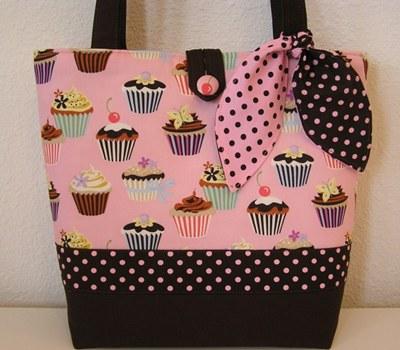 cupcake-diaper-bag-tote.jpg
