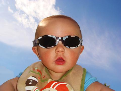 baby dangers, baby summer safety, baby sunglasses, baby vision, car safety for baby, children vision, heat rash, prevent blindness, protect baby vision, summer baby dangers, summer sun, sunscreen for baby, UV dangers, uv protection, water safety